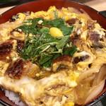 うなぎ 和友 - ウナ玉丼@1380円   うな重に比べると濃い目の味付け。鰻がゴロゴロ入って十分な食べ応え。飽きずに完食!