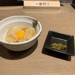 111149219 - お通しの大根おろし&鶉の卵/柚子胡椒