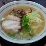 らーめん 大魔神 - 豚骨醤油チャーシュウ麺