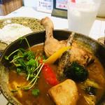 Rojiura Curry SAMURAI. - 『チキン』1,100円 『プレーンラッシー』400円