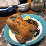 泡のお酒と貝料理のお店 泡貝 - スペイン丸鶏のロースト