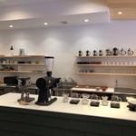 ROKUMEI COFFEE CO. NARA - バリスタ カウンター
