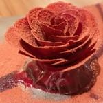 111171018 - フォアグラとビーツのバラ