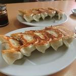 麺龍 - 餃子(税込5個399円@79.99円)