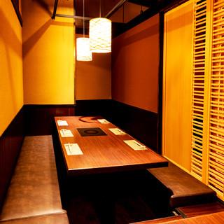 個室は大切な接待や会食のご利用にも最適です