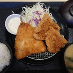 松のや - 『アジ&紙かつ定食』(税込み680円)