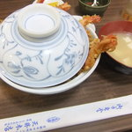 天勝 - 天丼 800円と味噌汁 沢庵