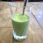 FLOW - 野菜スムージー・・食前に頂くことで体にいいとか。クセもなく飲みやすい。