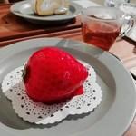 BonBon BERRY cafe - 「ババロアいちご」