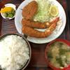 とんかつ亀屋 - 料理写真:エビフライ定食(1,200円)とメンチカツ(100円?)。ライス大盛り