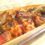 3丁目のたこボール - 料理写真:マヨネーズたこやき450円