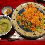 中嘉屋食堂 麺飯甜 - 豚角煮入り辛し入りレタスチャーハン