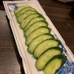 24時間 餃子酒場 - 胡瓜一本漬け300円