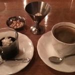 維納倶楽部 - 料理写真:コーヒー