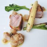 111230671 - 仔牛ロース肉のインパナート ニンニク風味のブロッコレット 牛アキレスけ腱とイタリアンパセリ