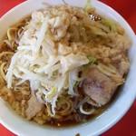 ラーメン二郎 - 料理写真:麺少なめ ヤサイニンニクアブラ