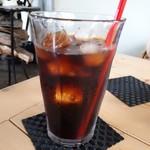 ミツバチガーデン カフェ - 水出しアイスコーヒー(550円)