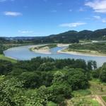 111232933 - 越後川口SA(上り) 展望台からの信濃川                        向かって左側の景色