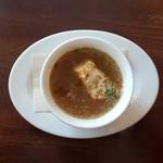 111233944 - せっとのオニオンのタイム風味スープです。