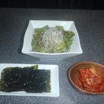 和牛肉処 よしや - チョレギサラダ 韓国のり キムチ