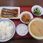 港北食堂 - 三品定食 580円