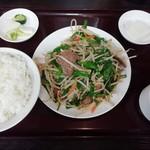 111244392 - ニラとレバーの炒め 定食(¥900)