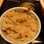 饂飩 四國 - 天ぷら定食の炊き込みご飯のアップ