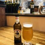 ICARO - ドリンク写真:Alla salute!Cin cin☆彡イタリアのビールはピッツアによく合います!