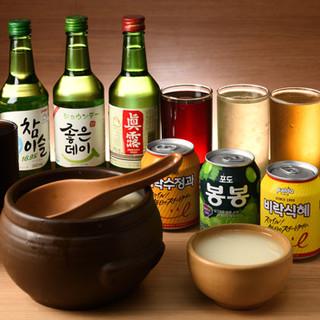 焼酎やジュースなど、韓国のドリンクも豊富に取り揃えました!