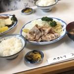 三春屋 - 豚しょうが焼き定食 1400円