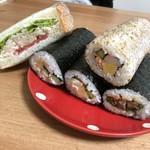 はらぺこ屋 - レモンチキンサンド サケ・さんま・ツナ・焼肉キムチ