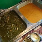 クンビラ - 骨付きチキン&ほうれん草のカレー・豆カレー