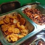 クンビラ - 野菜のネパール天ぷら・ポークと野菜のチリソース