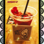 Osteria caiman table - 赤い花のソーダ