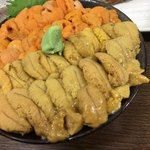 ichibashokudouajidokorotakeda - 旬の生ウニ食比べ丼 アップ