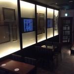 MAGIC TOKYO O - 店内は、マジックミラーとテレビモニターを設置しております。