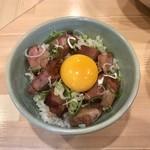 111293429 - ごろ肉ご飯+生卵