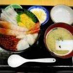 あけぼの食堂 - 料理写真:海鮮グルメ丼②