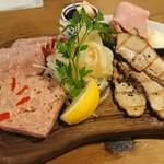 SARU BACON - 肉盛り