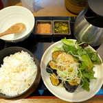 こめらく - 京茄子の京風そぼろあんかけ膳(¥980)。野菜中心なので、軽い昼食を求める気分にぴったり?