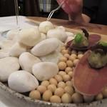 111299679 - タルターラ(茄子)にポッコンチーニ(小さなモッツァレラチーズ)