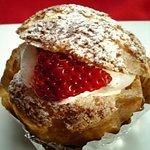 アンクルサム - いちごのシュークリーム