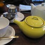 Tea room mahisa okamoto - 紅茶はポットサービス、差し湯付き!