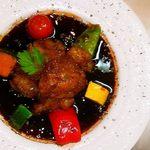 鉄板料理 丈 - 和牛小腸の赤ワイン煮