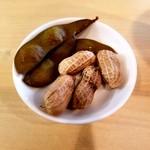 きんとと - スモーク枝豆と落花生