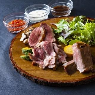 お肉料理にも要注目!低温調理したお肉は、しっとりジューシー*