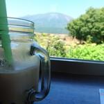 ペレニアルロックガーデン春子谷地 cafe ミルクの里 - タピオカドリンクと岩手山