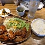 韓国ハイボール酒場 NO SPICE,NO LIFE.  - ヤムニョムチキン定食800円
