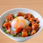 麺屋 菜々兵衛 - 温玉チャーシュー丼