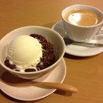 カフェ らん - 大正金時のらん風寒天。オススメです。 コーヒーはこだわりの氷温熟成®珈琲を使用。